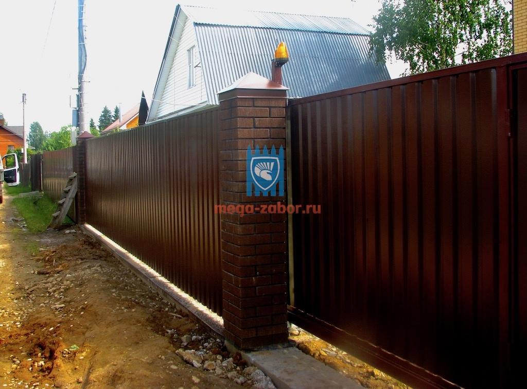 Кирпичный забор из коричневого кирпича в Орехово-Зуево - 323 000руб 41